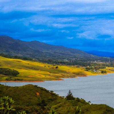 Lago calima. Raul Echeverry. Flickr